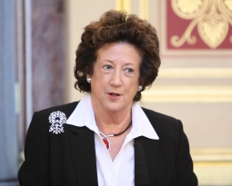 Britain Reaffirms Support for Holocaust Restitution