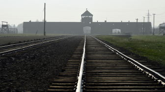 Dutch Railways (NS) Seeks to Dictate to Jewish Community Acknowledgement for 102,000 Jews Transported to Their Deaths